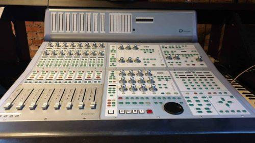 Avid ICON D-Command Controller + Avid XMON + Argosy Desk 1