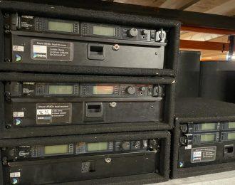 Shure UR4D+ Dual Receiver + 2x Beltpack or 2x UR2/SM58 Handheld Pack